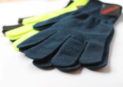 Thermolite-sports-glove-close