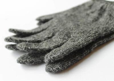grey-glove-close